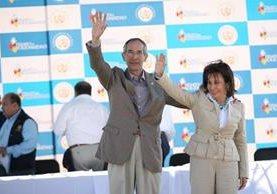 Álvaro Colom y Sandra Torres en una actividad oficial durante el gobierno de la UNE. (Foto Prensa Libre: Hemeroteca PL)
