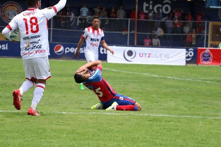 Xelajú no pudo conseguir su segundo triunfo del torneo. (Foto Prensa Libre: Raúl Juárez)