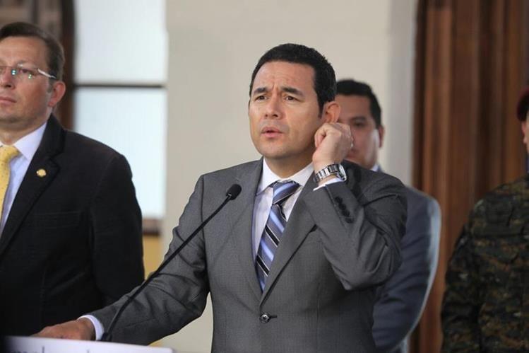 El mandatario Morales ha evitado responder a la Prensa desviando el tema cuestionado.