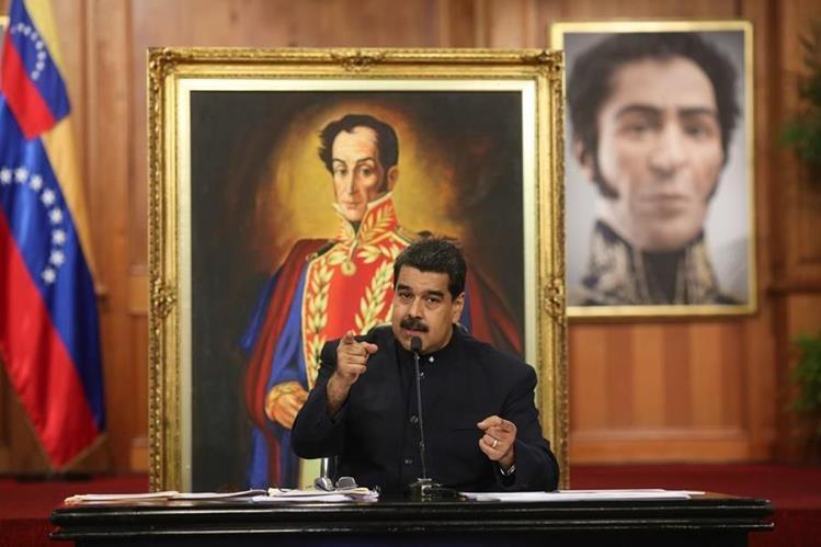 Nicolás Maduro arremete contra las tecnológicas durante un encuentro con medios internacionales. (Foto Prensa Libre: EFE)