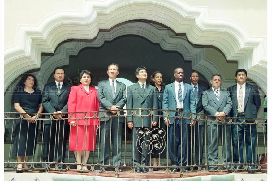 Reunión de comisiones conciliadoras de Guatemala y Belice el 28 de agosto de 2000. (Foto: Hemeroteca PL)