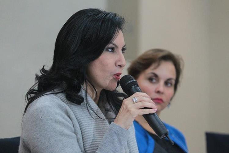 Zury Ríos insiste en que no tiene impedimento para competir por la Presidencia de la República. Foto Prensa Libre: Hemeroteca PL)