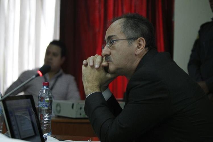 Pedro Muadi asiste a la audiencia de primera declaración en el Juzgado Undécimo. (Foto Prensa Libre: Paulo Raquec)