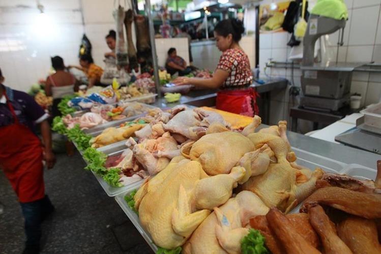 El arancel al pollo importado tendría beneficios al mercado nacional .(Foto Prensa Libre: Hemeroteca PL)