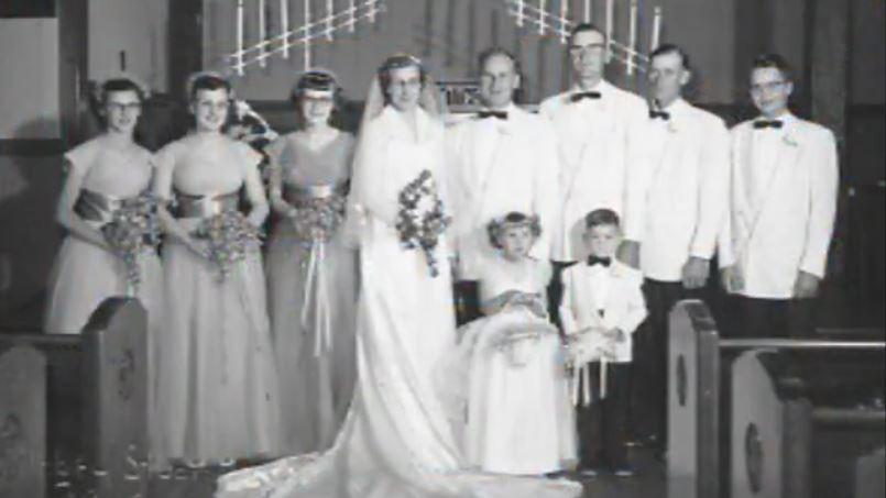 Henry y Jeanette De Lange (centro), el día de su boda en 1953. (Foto: KSFY).