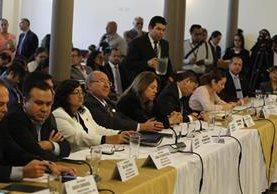Los magistrados fueron recibidos por la Junta Directiva del Congreso. (Foto Prensa Libre: Paulo Raquec)