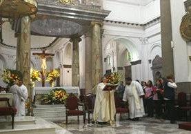Santa Misa por los 400 años de fundación de la Asociación Internacional de Caridad. (Foto Prensa Libre: Oscar Felipe)