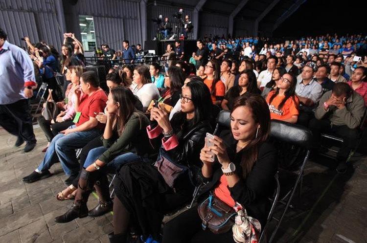 Decenas de personas asistieron a apoyar la 31 edición de Teletón 2017 que se llevó a cabo en el Parque de la Industria. (Foto Prensa Libre: Estuardo Paredes)