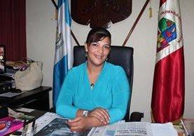 La alcaldesa Sonia Lili Rivera Ramírez, quien buscaba su reelección por el PP, en San Benito, Petén, no fue inscrita. (Foto Prensa Libre: Rigoberto Escobar)
