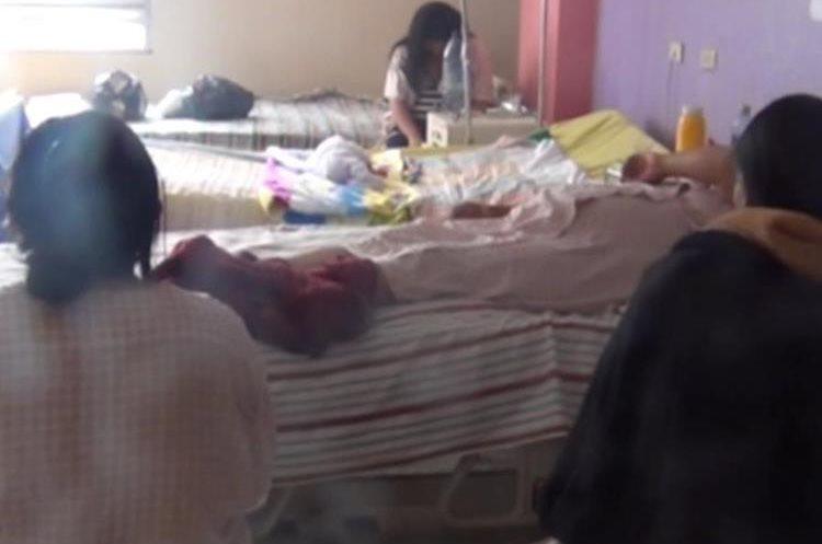 En agosto y septiembre las maternidades deben prepararse mejor por el incremento de nacimientos. (Foto Prensa Libre: María José Longo)