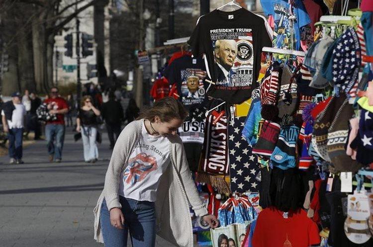 La venta de artículos con la imagen de políticos se incrementa en EE. UU.