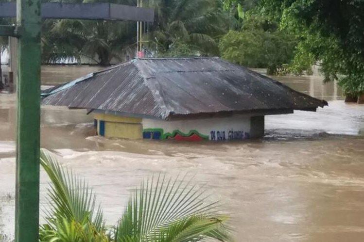 Las fuertes lluvias inundaron varias comunidades de Ixcán la semana pasada. (Foto Prensa Libre: Héctor Cordero)