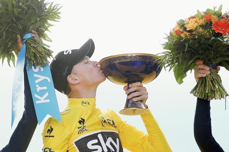 Froome volvió a festejar en Francia en el Tour. (Foto Prensa Libre: EFE)