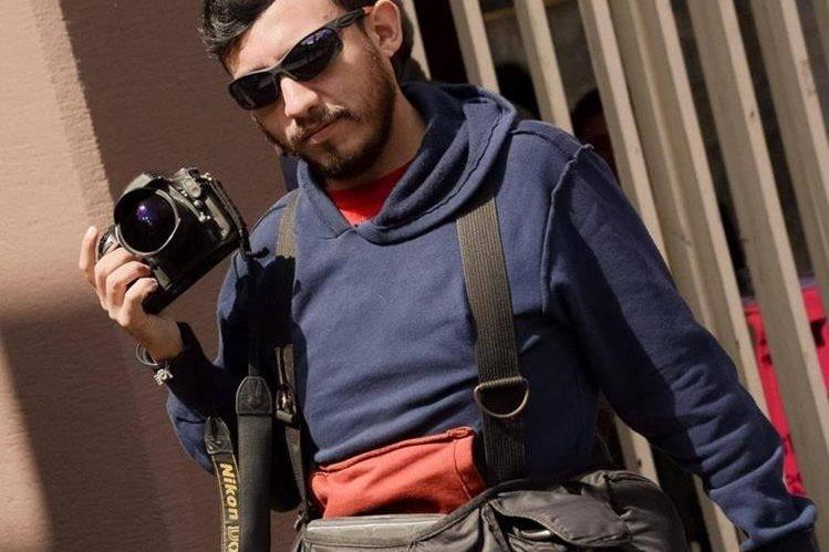 Rubén Espinosa, fotoperiodista mexicano fue asesinado junto a cuatro mujeres.