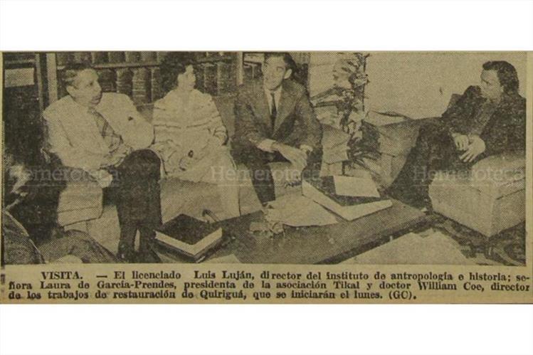 Arqueólogos informan sobre restauración de Quiriguá, en enero de 1975. (Foto: Hemeroteca PL)