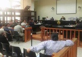 Implicados en el caso Banco de Comercio son enviados a juicio. (Foto Prensa libre: Jerson Ramos)