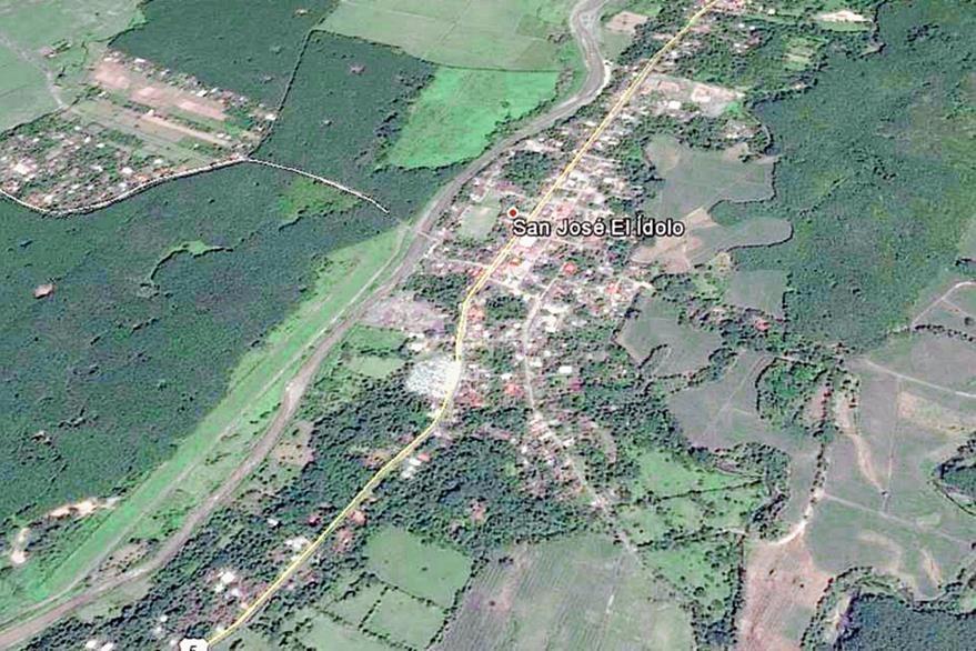 Mapa de  San José El Ídolo, Suchitepéquez, donde tres personas murieron en un accidente de tránsito. (Foto Prensa Libre: Google Earth)