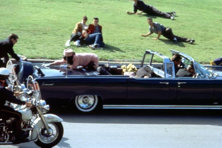 Recreación de la Película JFK de 1991 sobre la muerte de John F. Kennedy el 22 de noviembre de 1963. (Foto: AP)