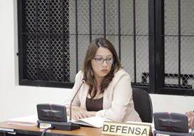 La exgobernadora llegó a Tribunales para solventar un proceso en su contra. (Foto Prensa Libre: María José Longo)