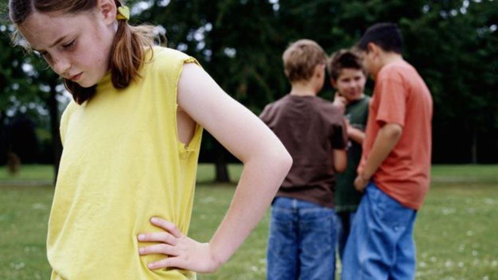 Otro estudio de la misma universidad halló que los niños que eran objeto de burlas durante la clase de gimnasia hacían menos deporte al año siguiente.  (THINKSTOCK)