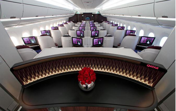 La aerolínea ya ofrece el servicio para pasajeros de primera clase. (Foto Prensa Libre: Qatar Airways)
