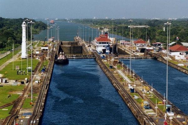 """<p>Panamá busca dar en concesión un puerto abierto en el Canal, del lado del Océano Pacífico. (Foto Prensa Libre: Bing.com)<br _mce_bogus=""""1""""></p>"""