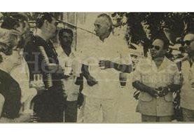 Al centro el vicepresidente Francisco Villagrán Kramer acompañado del presidente Lucas García en la Finca Santo Tomás en 1978. (Foto: Hemeroteca PL)