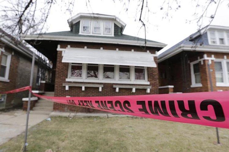 Esta es la vivienda de Chicago en donde fueron localizadas las víctimas. (Foto Prensa Libre: AP).