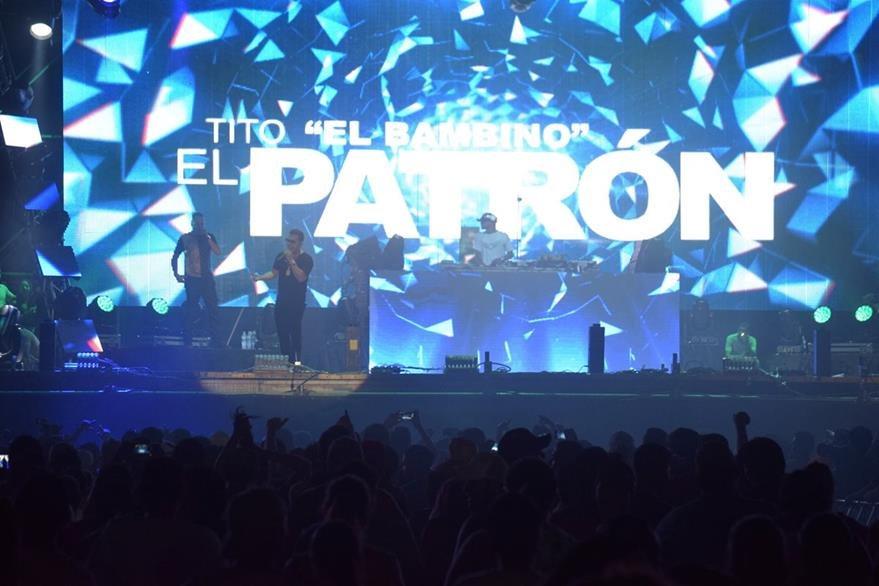 Luces, sonido y emoción fueron parte del show de Tito el Bambino. (Foto Prensa Libre: Enrique Paredes).