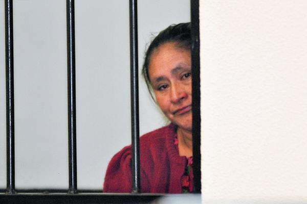 Cristina Dominga Oxlaj González fue  condenada a 25 años de prisión al haber sido hallada culpable de haber envenenado  a su pareja, en Quetzaltenango. (Foto Prensa Libre: Alejandra Martínez)