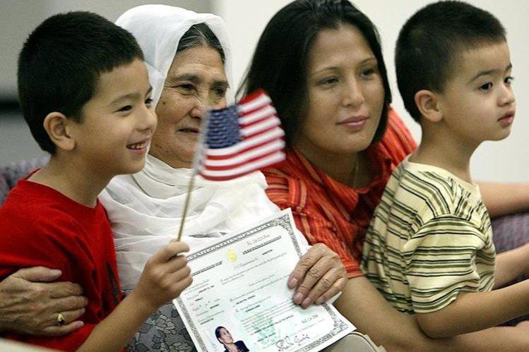 Inmigrantes favorecidos con la ciudadania estadounidense.