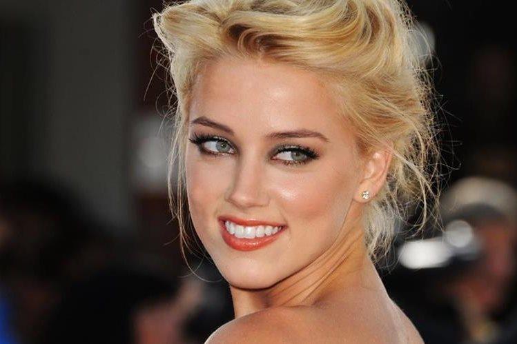 Luego de acusar a su esposo de agresión, se descubre que Amber Heard golpeó a una exnovia. (Prensa Libre: es.fanpop.com)