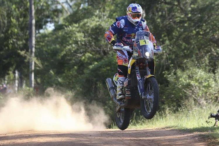 El motociclista australiano Toby Price (KTM) ganó este martes la segunda etapa del Dakar. (Foto Prensa Libre: EFE)