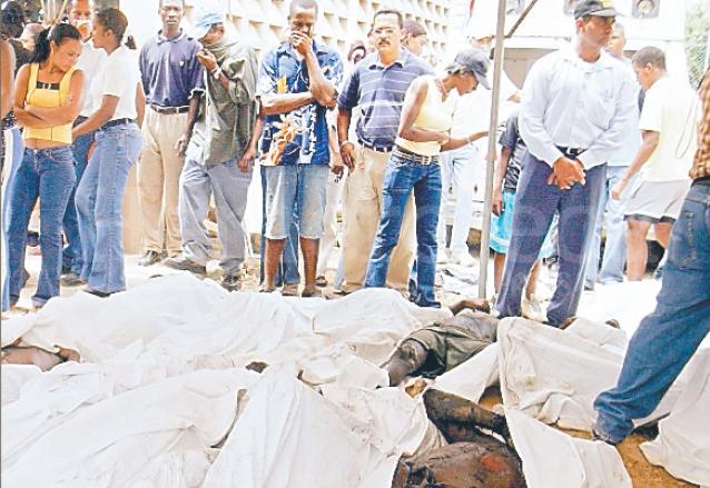 En 2005 mueren 134 reos en un incendio en la cárcel de Higüey, República Dominicana. (Foto: AP)