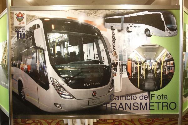La comuna muestra unidades del Transmetro que va a adquirir para la capital el próximo año.
