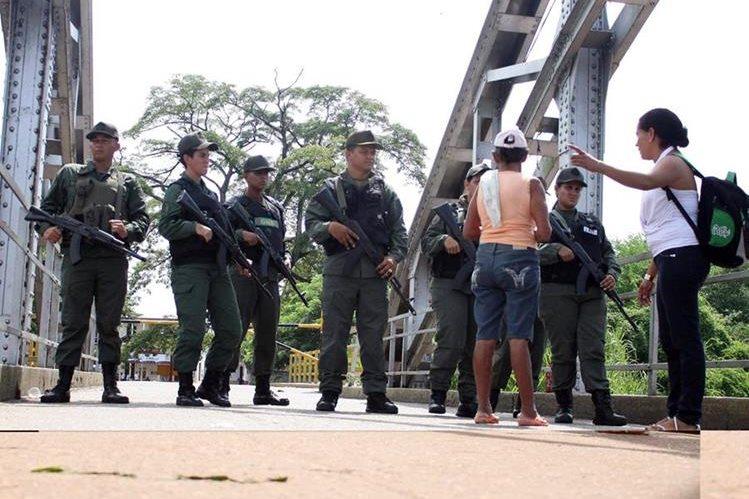 <em>La situación fronteriza entre Venezuela y Colombia se ha agudazo en los últimos días. (Foto Prensa Libre: AFP).</em>