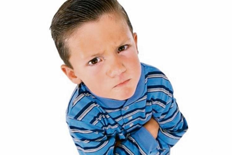 Los padres pueden recurrir a métodos como premios para que el niño cambie su mal comportamiento.