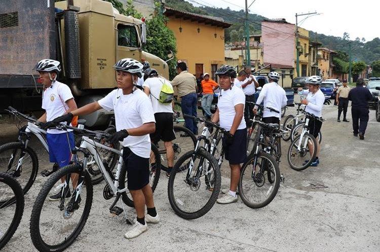 La embajada americana, espera implementar los patrullajes combinados en bicicletas en los cuatro municipios. (Foto Prensa Libre: Renato Melgar)