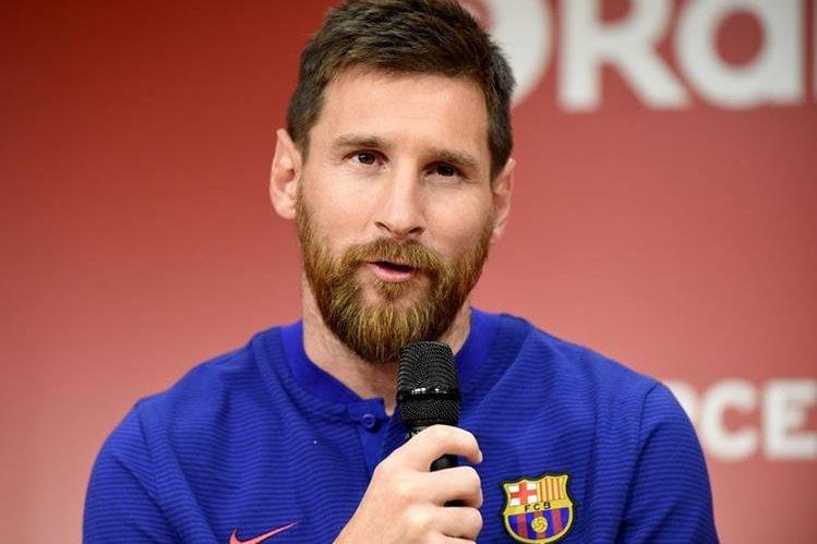 Lionel Messi habla en conferencia de prensa en Tokio. (Foto Prensa Libre: AFP)