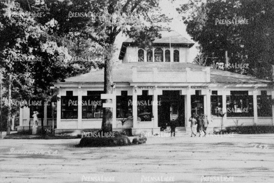 Salón de Té del Zoológico la Aurora, donde se exhibían piezas de arqueología. (Foto Prensa Libre: Museo Nacional de Historia)