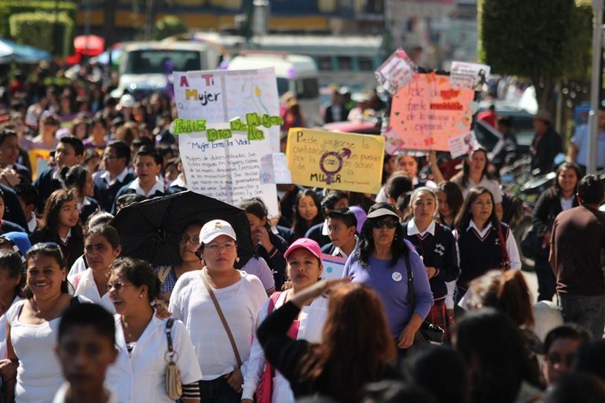 Mujeres conmemoran su día en Huehuetenango. (Foto Prensa Libre: Mike Castillo).