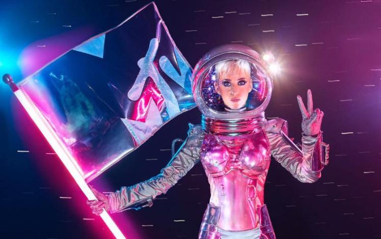 La cantante Katy Pery será la maestra de ceremonias de los premios MTv Video Music Awards que se entregarán este domingo. (Foto Prensa Libre: Metro).