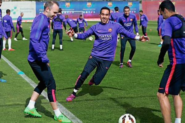 El Barcelona completó su entrenamiento previo al clásico español. (Foto Prensa Libre: FC Barcelona)
