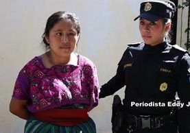 María Sirín Son, fue ligada a proceso por maltrata a su hijo. (Foto Prensa Libre: Noti prensa Sacatepequez / Eddy Juárez)