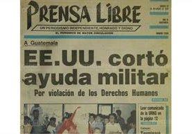 Portada de Prensa Libre del 22/12/1990 informando sobre la supensión de ayuda de EE. UU. a Guatemala ( Foto: Hemeroteca PL)