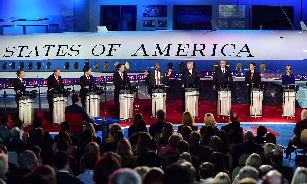<em>Los candidatos presidenciales republicanos participan en el debate.(Foto Prensa Libre;AP).</em>