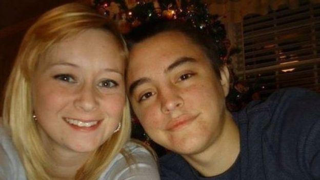 La pareja se conoció a través de Facebook y desde 2011 estaban casados. Con el avance de la enfermedad, se vieron obligados a vivir en estados diferentes. YOUCARING