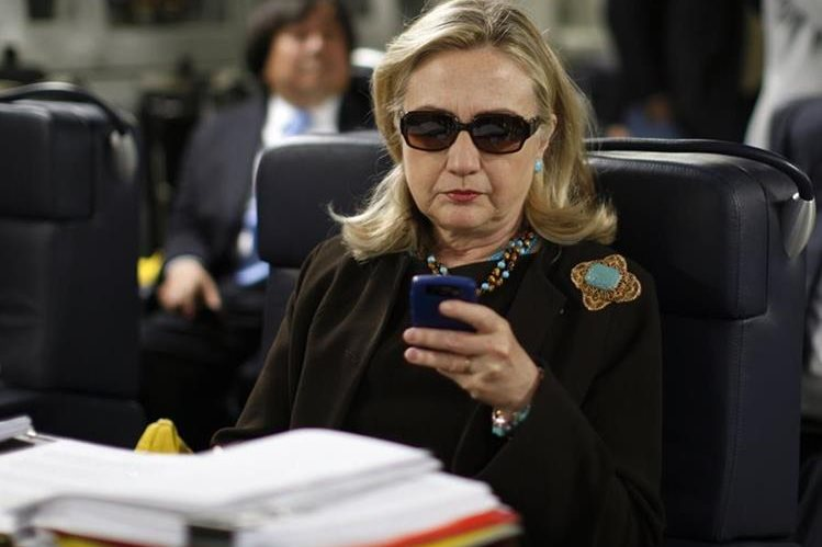 El Departamento de Estado reabrirá pesquisa por correos electrónicos de Hillary Clinton. (Foto Prensa Libre: AP).