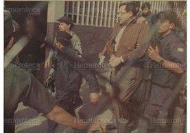 Con gran despliegue de seguridad fue capturado y trasladado al Preventivo de la zona 18 el sacerdote Mario Orantes Najera, a quien se acuso de estar involucrado en el asesinato de monseñor Juan Gerardi. 23/7/1998.(foto Hemeroteca PL)