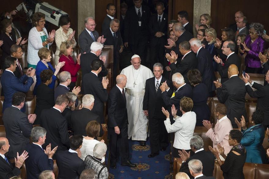 El papa Francisco al momento de su ingreso al Congreso de EE. UU. (Foto Prensa Libre: EFE).